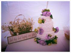 Casual wedding cake Friday's Cupcakery   Topeka, KS