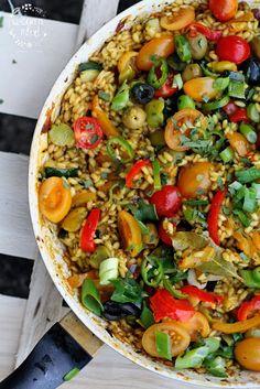 Four Cooking Together Vegetarian Cooking, Cooking Recipes, Healthy Recipes, Cooking Together, Vegetable Pizza, Cobb Salad, Nom Nom, Nerd