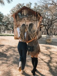 Fredericksburg, Texas Girls Trip Travel Guide Best Picture For Texas background For Your Taste You are looking for something, and it is going to Country Best Friends, Best Friends Shoot, Best Friend Pictures, Texas Winter, Rio, Texas Girls, Fredericksburg Texas, Shotting Photo, Girls Vacation