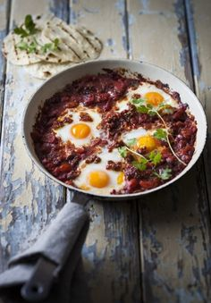 NOMU is an original South African food and lifestyle concept by Tracy Foulkes. Brunch Recipes, Breakfast Recipes, Brunch Ideas, South African Recipes, Ethnic Recipes, Banting Recipes, Huevos Rancheros, Sunday Breakfast, Mothers Day Brunch