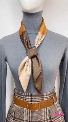 Ways To Tie Scarves, Ways To Wear A Scarf, How To Wear Scarves, Silk Scarves, Diy Fashion Scarf, Diy Fashion Hacks, Scarf Wearing Styles, Scarf Styles, Scarf Knots