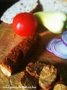 Nincs kolbász hús nélkül? Dehogy nincs! Mi sem bizonyítja jobban, mint a spanyol chorizo veganizálása. Egy kis munkával ízletes lencse alapú kolbászt készíthetünk, amigarantáltan finomabb, mint a boltokban kapható vegán készítmények. Az eredeti receptben búzasikért… Vegan Chorizo, Vegan Vegetarian, Vegetarian Recipes, Healthy Recipes, Paleo, Vegan Meals, Healthy Food Options, Tofu, Breakfast Recipes