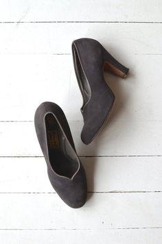 Shale leather pumps vintage 1950s shoes gray 50s by DearGolden