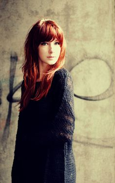 perfect bangs.. I could totally do this :-) @Denise Witmer - can we be twinsies again? LOL