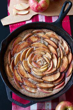 Brown Sugar Cinnamon Apple Skillet Cake