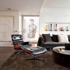 Der Eames Loungesessel Mit Fusshocker Ist So Etwas Wie Die  Must Have Designerhandtasche Einer Schicken Wohnungen. Vielleicht Liegt Das  An Seiner Glamouröse
