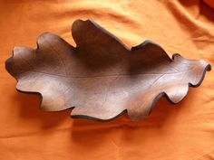 Signatus, Arte en Cuero: Vaciabolsillos Leather Tray, Large Leather Tote Bag, Leather Pouch, Leather Tooling, Chip Carving, Wood Carving, Leather Projects, Leather Crafts, Tandy Leather