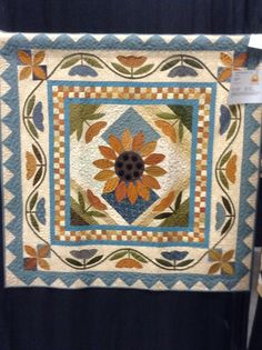 Timeless Traditions: Quilt show continues. Quilt Patterns Free, Applique Patterns, Applique Quilts, Applique Wall Hanging, Quilted Wall Hangings, Nancy Zieman, Small Quilts, Mini Quilts, Quilting Projects