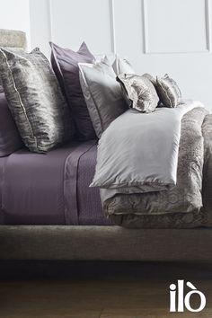 El toque de estilo y distinción que buscas para tu habitación siempre lo vas a encontrar en un #KitDecorativo #Tianzi Esta y más ideas para decorar y rediseñar tu dormitorio las puedes encontrar en iloliving.com 30% de descuento en Kits Decorativos #IdeasDeDecoración #Bed #Decor #Design #BedroomDecor #DiseñoDeInteriores #LifeStyle #Living #Interior #DesignLovers #LoveMyBed #CozyBed #Camas #Hogar #HomeDecor #Duvet #Fundas #Cojines #IdeasDecor #TipsParaDecorar