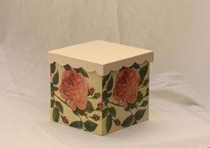 Souvenir Caja Cubo con Flores (decoupage)