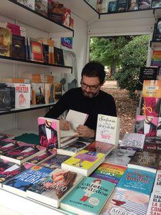 José de la Rosa (Titania) Brooke Davis, Madrid, Cover, Books, Pink, Livros, Slipcovers, Book, Libros