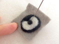 簡単!羊毛フェルトレシピ☆一緒にお出かけしたくなる♪Myブローチの作り方|LIMIA (リミア) Diy And Crafts, Arts And Crafts, Washer Necklace, Embellishments, Crochet Earrings, Projects To Try, Felting, Unicorn, Bags