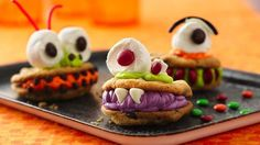 Chomping Monsters Cookies / Watch out for these creepy and silly monsters; they love to chomp with their big teeth!