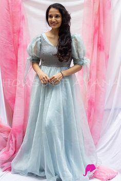 Girls Frock Design, Long Dress Design, Western Wear Dresses, Party Wear Dresses, Indian Gowns Dresses, Indian Fashion Dresses, Anarkali Dress, Long Anarkali, Lehenga Choli