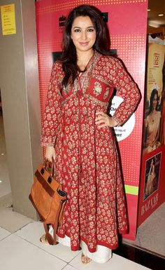 Tisca Chopra stepped out looking radiant at the book launch of her book 'Acting Smart' in Mumbai. Simple Kurta Designs, Kurta Designs Women, Blouse Designs, Indian Attire, Indian Ethnic Wear, Casual Dresses, Fashion Dresses, Elegant Dresses, Long Dress Design