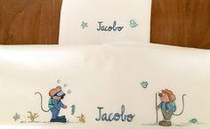Los papis de Jacobo son unos aventureros así que los ratoncitos Marietis de sus sabanitas personalizadas les hacen un bonito homenaje.