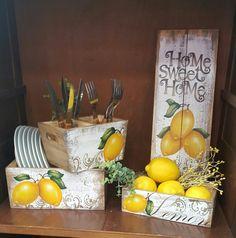 Mega artesanal 2016 Lemon Painting, Stencil Painting, Painting On Wood, Pallet Boxes, Wooden Boxes, Diy Art Projects, Wood Projects, Paisley Art, Barn Wood Crafts