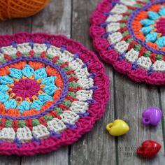 Провернула сегодня огромную работу, навела порядок в запасах пряжи🐹🐹🐹 Сижу теперь, чешу затыло Blanket, Crochet, Crochet Crop Top, Rug, Blankets, Chrochet, Knitting, Haken, Quilts