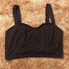 Black Bralette/Crop Top Perfect everyday Bralette. This is a looser fit so it can go over a bra to cover straps or be worn as a top with a high waisted skirt, shorts or denim! Would best fit a B-C cup. No Trades but I negotiate using the ✨ Offer Function ✨ Kirra Tops Crop Tops
