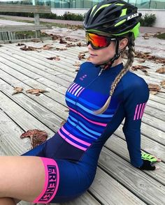 with · · · Positive Energie ausatmen! Cycling Wear, Cycling Girls, Cycling Outfit, Cycling Helmet, Bicycle Race, Bicycle Girl, Triathlon, Chicks On Bikes, Cycling Sunglasses