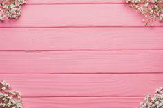 Fundo de madeira com decoração floral nos cantos Foto gratuita