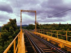 "Felipe Andrés Ibáñez Lagos on Instagram: ""Bridge 🌳"" Ibanez, Railroad Tracks, Bridge, Instagram, Places, Bridges, Legs, Attic Rooms, Bro"
