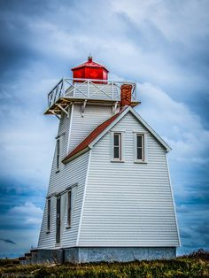 Yankee Hill Light, Canada: by Brendan Dick. The Yankee Hill Lighthouse is located near the mouth of New London Harbour, Prince Edward Island.