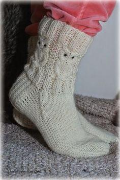 Näitä tarvitset: Seitsemän Veljestä (valkoinen) Puikot 3.5 48 silmukkaa, 12 puikolle Langan menekki n.100g 16 helmeä silmiksi... Owl Knitting Pattern, Knitting Paterns, Diy Crochet And Knitting, Crochet Socks, Knitting Socks, Knit Patterns, Crochet Clothes, Knitting Projects, Knitted Hats