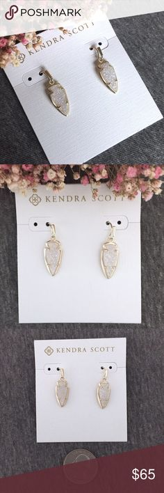 NWT Kendra Scott Kate Iridescent Drusy Earring Pale shimmery rainbows flash from these gorgeous drusy earrings set in gold! Small enough for everyday wear but special enough for a gift! Add to your collection or start a new one! Perfect condition, never worn! Kendra Scott Jewelry Earrings