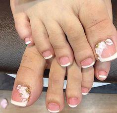 Mis Uñas Pedicure Designs, Pedicure Nail Art, Toe Nail Designs, Toe Nail Art, Pretty Toe Nails, Cute Toe Nails, Acrylic Toes, Best Acrylic Nails, Glitter Toe Nails