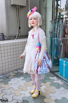 Harajuku Girl in White Lace Dress(Tokyofashion.com)