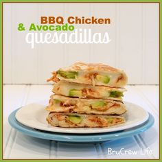 BBQ+Chicken+and+avocado+quesadillas  Ingredients  2+flour+tortillas 1/2+c.+mozzarella+cheese 4+Tbsp.+shredded+bbq+chicken 8+slices+of+avocado Instructions  Heat+a+skillet+up+on+medium+heat.+Lay+1+tortilla+shell+in+the+bottom+and+sprinkle+half+of+the+shell+with+2+Tbsp.+cheese.+Top+with+2+Tbsp.+chicken.+Lay+4+of+the+slices+of+avocado+on+top