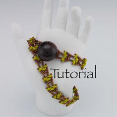Beaded Bracelet Pattern Wrap it Up Digital Download par JewelryTales sur Etsy https://www.etsy.com/ca-fr/listing/117169612/beaded-bracelet-pattern-wrap-it-up