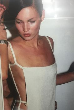 Kate Moss - fresh-faced, clean look