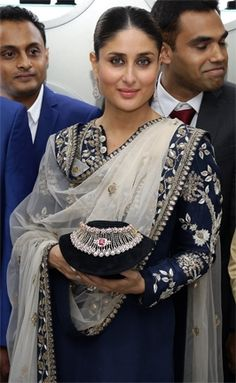 Anil Kapoor is like family: Kareena Kapoor Khan (Movie Snippets) , http://bostondesiconnection.com/anil-kapoor-like-family-kareena-kapoor-khan-movie-snippets/,  #AnilKapoorislikefamily:KareenaKapoorKhan(MovieSnippets)