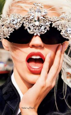 Regilla ⚜ some intense sunglasses!