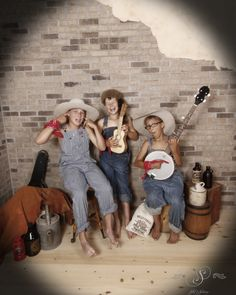 3 kids dressed in our hillbilly hoedown costumes playing instruments in front of our brick wall backdrop. Hillbilly Party, Old Time Photos, Hee Haw, Trunk Or Treat, 3 Kids, Brick Wall, Set Design, Photo Shoots, Summer Fun