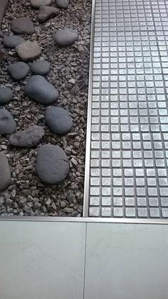 Terminación cuadrada de acero inoxidable apta para exteriores. Gran variedad de medidas y acabados.