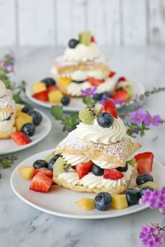Lemon Cream Puffs with Fresh Fruit - Glorious Treats (note: make profiteroles instead of using puff pastry) Fancy Desserts, Lemon Desserts, Lemon Recipes, Summer Desserts, Just Desserts, Delicious Desserts, Yummy Food, Fresh Fruit Desserts, Summer Dishes