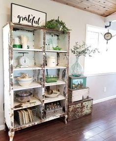 Adding That Perfect Gray Shabby Chic Furniture To Complete Your Interior Look from Shabby Chic Home interiors. Kitchen Cabinets Models, Kitchen Models, Cupboards, Shabby Chic Kitchen Cabinets, Kitchen Decor, Kitchen Dresser, Farmhouse Cabinets, Decorating Kitchen, Kitchen Nook