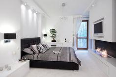 Nowoczesna sypialnia z kominkiem - Architektura, wnętrza, technologia, design…