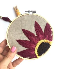 Grand Sewing Embroidery Designs At Home Ideas. Beauteous Finished Sewing Embroidery Designs At Home Ideas. Hand Embroidery Tutorial, Hand Embroidery Stitches, Hand Embroidery Designs, Embroidery Techniques, Cross Stitch Embroidery, Embroidery Patterns, Knitting Stitches, Learn Embroidery, Embroidery Hoop Art