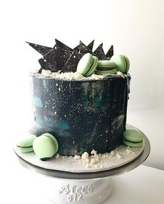Galaxy cake by a workfriend. Kitchenaid skills on point. (Crosspost from r/dessertporn)[1350x1080]