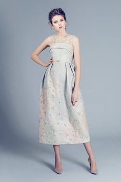 Fashion Friday: Alfazairy S/S 2016 | Dreamy | Pastel | Embellishments | Beadwork | Appliqué | Tea-length | Layers | Ballgown | Pantsuit | Luxe | http://brideandbreakfast.hk/2016/04/29/alfazairy-ss-2016/