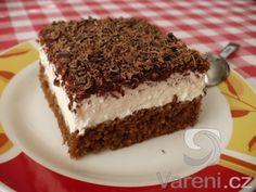 TĚSTO: 1 balíček prášku do pečiva 100 g cukru krupice 100 ml vody 200 ml oleje… Baking Recipes, Cake Recipes, Dessert Recipes, Good Food, Yummy Food, Czech Recipes, Mini Cheesecakes, No Bake Cake, Food Inspiration
