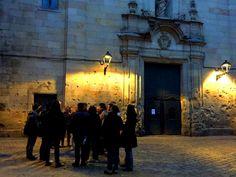 Ven y atrévete a pasear por una ciudad oculta: conoce los fantasmas de Barcelona. Una noche que jamás olvidarás y que marcará para siempre tu recuerdo de Barcelona. ¿Te atreves?