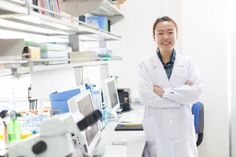 Biology majors develop a myriad of analytic and problem solving skills, and there are just as many possible career choices for grads with a biology degree. Here's a list of the top 10 jobs for biology majors. Biology Jobs, Biology Major, Marine Biology, Career Choices, Job Career, Career Advice, Social Science, Life Science, Weird Science