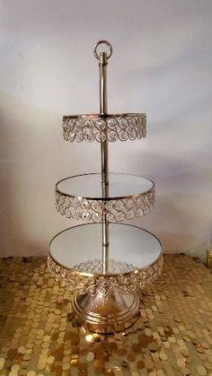 Diy Cupcake Stand, Crystal Glassware, Gold Diy, Spring Home Decor, Diy Mirror, Cake Decorating Techniques, Diy Wedding Decorations, Home Decor Kitchen, Diy Hacks