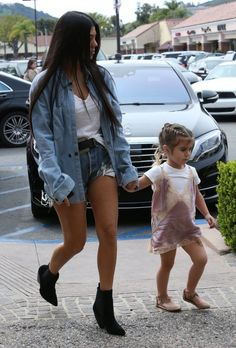 """Kourtney and Penelope out in Calabasas - 10 March, 2017 "" The Kardashians are a persistent group in the entertainment industry. The show Keeping up with the Kardashians has been on E! for 10 years now. - Hannah Scott"