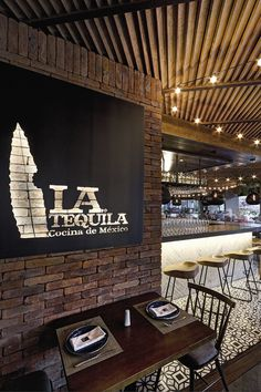 Image 9 of 14 from gallery of La Tequila South Restaurant / LOA. Photograph by Marcos Gracia
